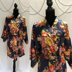 Other - Kimono Sleeve Floral Getting Ready Robe